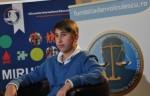 Antena 3: Un tânăr de 15 ani, premiat pentru excelenţă
