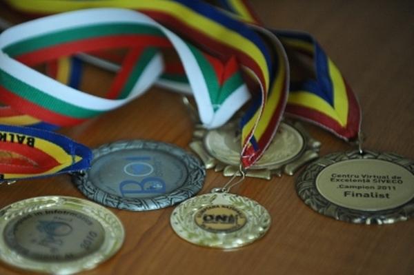 Olimpicii români se întorc acasă cu şase meda…